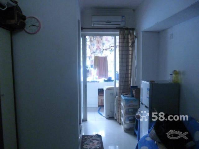 台湾街时尚pat 1室1卫40平米 中等装修 押一付二 超大卧室,