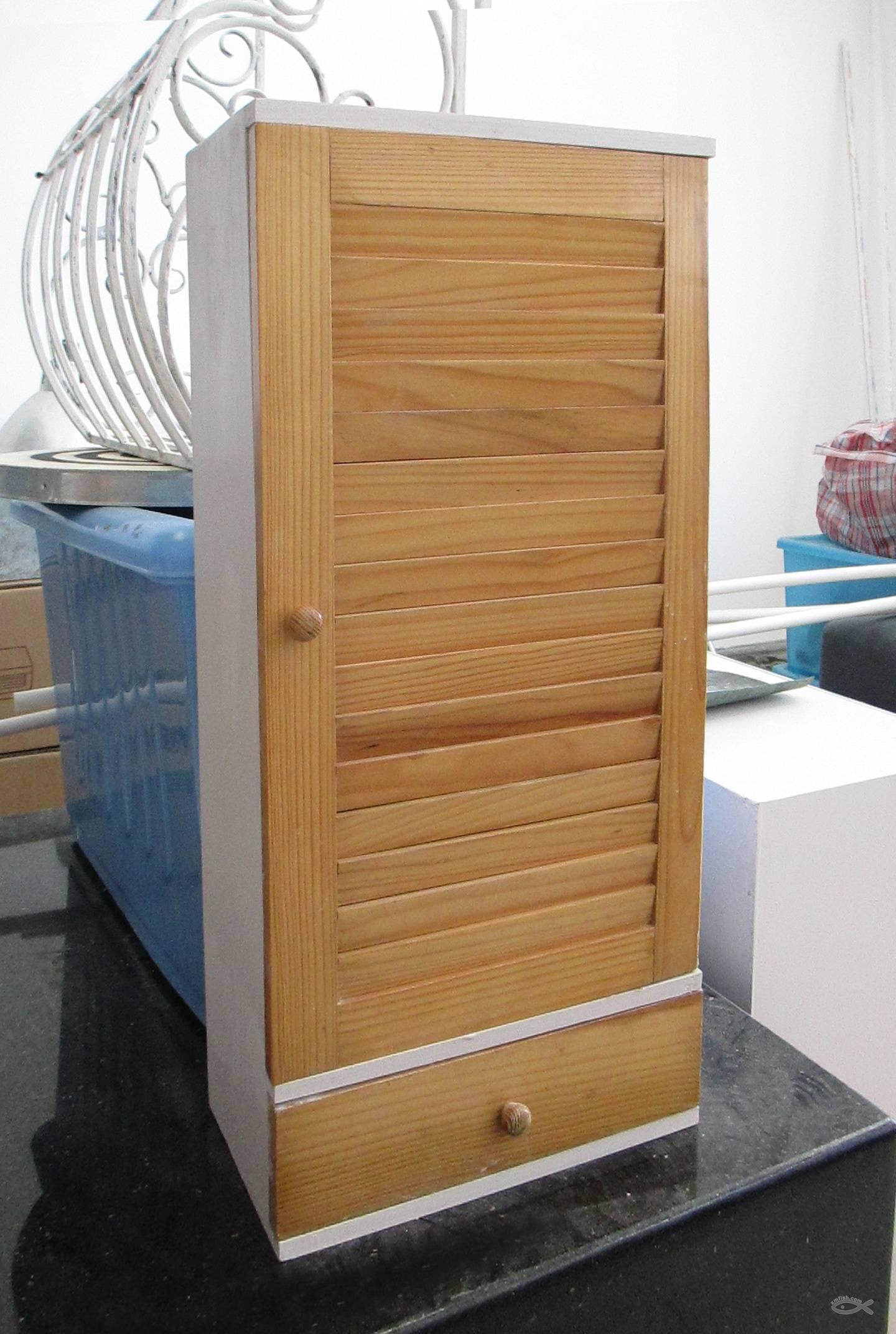 外贸实木浴室洗浴小柜子转让